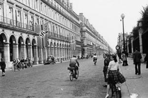 236883-paris-brise-paris-martyrise-mais-paris-libere